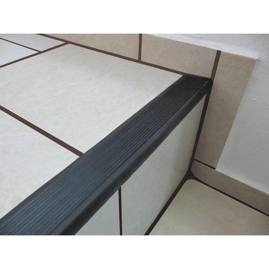 Hnědá gumová schodová protiskluzová hrana - délka 5 m, šířka 4,7 cm a výška 2,1 cm