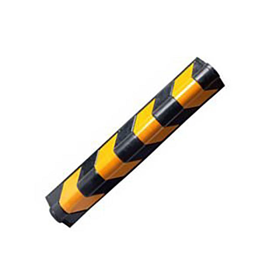 Černo-žlutý gumový reflexní roh (zaoblený profil) na ochranu stěn - délka 80 cm, šířka 10 cm a tloušťka 1 cm