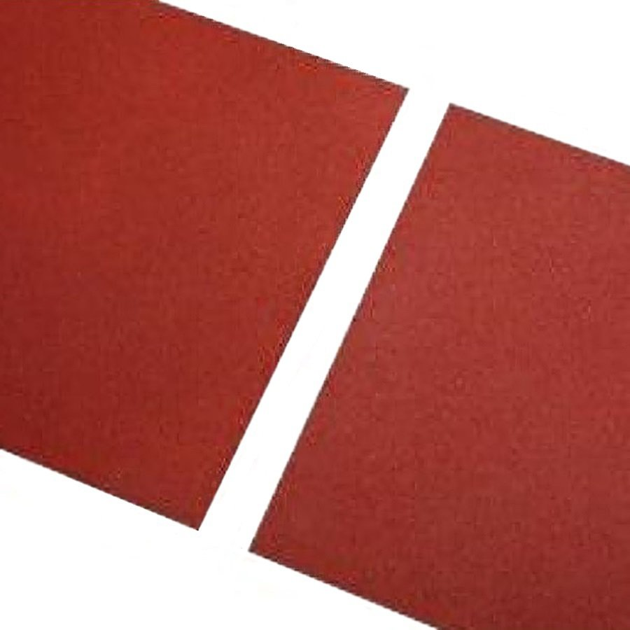 Červená gumová hladká dlaždice - délka 100 cm, šířka 100 cm a výška 1,5 cm