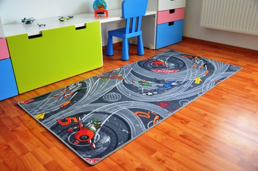 Různobarevný hrací kusový dětský koberec - délka 200 cm a šířka 95 cm