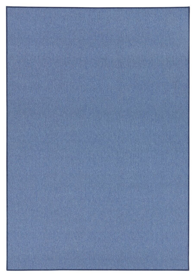 Modrý kusový koberec
