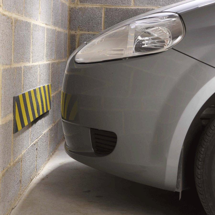 Černo-žlutý pěnový pás na ochranu stěn - délka 100 cm, výška 15 cm a tloušťka 1 cm