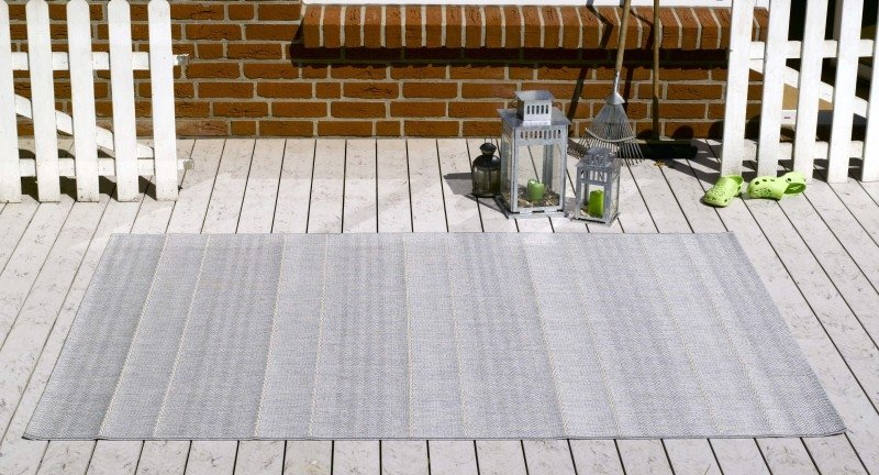 Šedý kusový koberec Sunshine