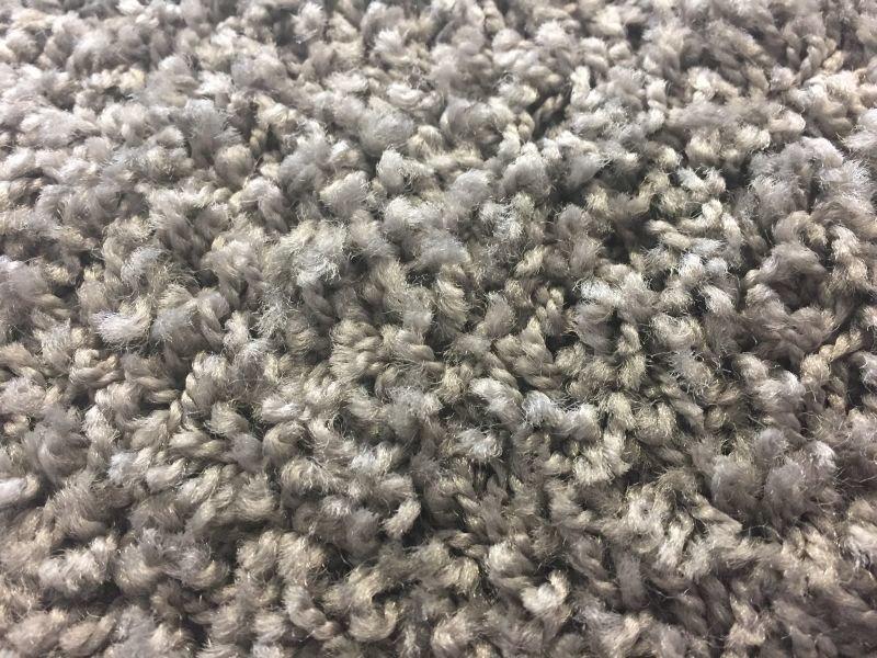 Šedý metrážový koberec Shaggy - šířka 400 cm