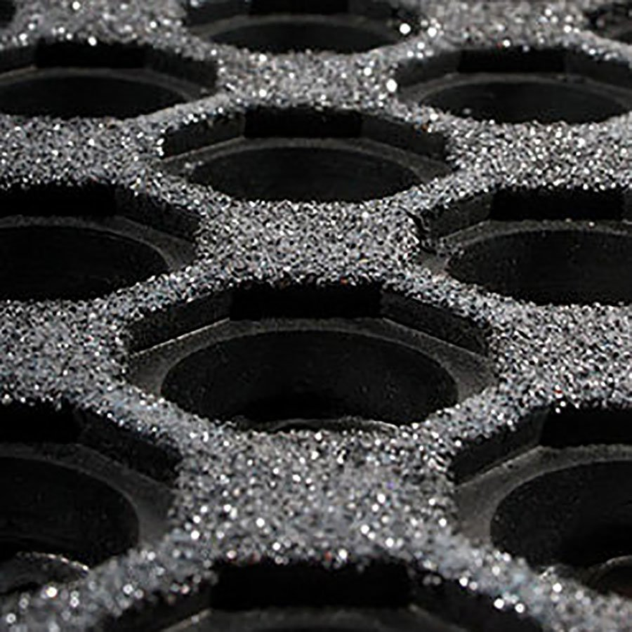 Černá gumová modulární průmyslová protiúnavová protiskluzová olejivzdorná rohož Fatigue - délka 90 cm, šířka 90 cm a výška 1,6 cm