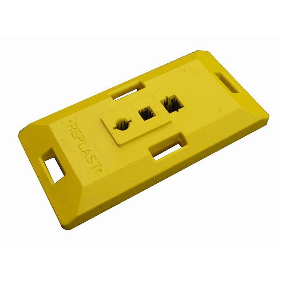 """Žlutý plastový podstavec """"CZ 1"""" pod dopravní značky - délka 85 cm, šířka 41 cm a výška 10 cm"""