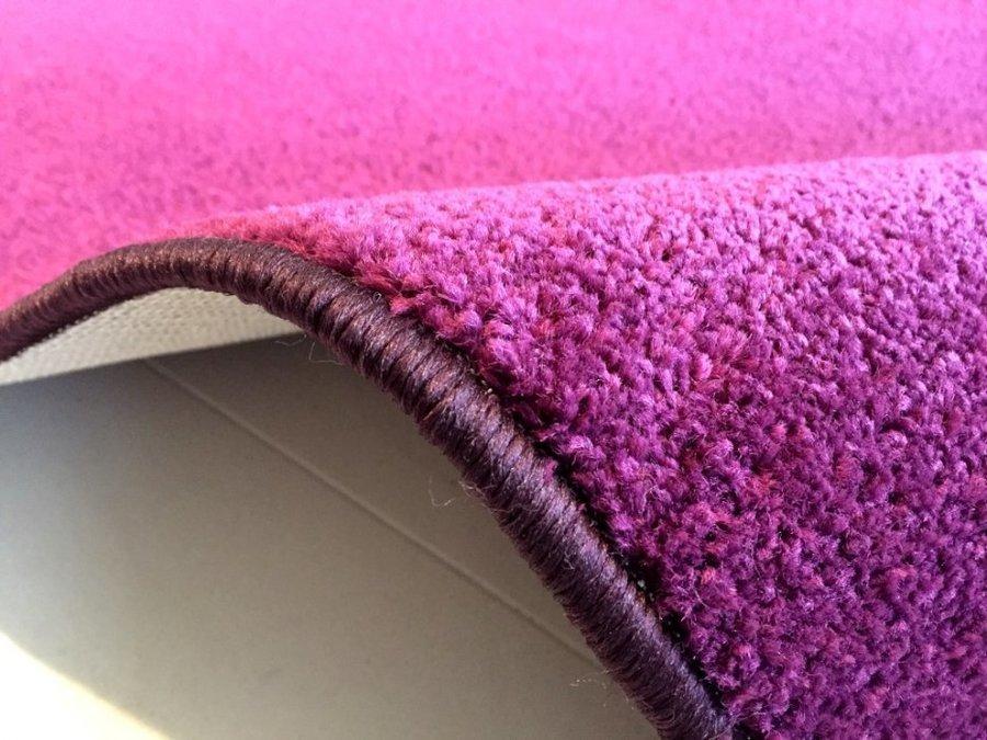 Fialový koberec Eton