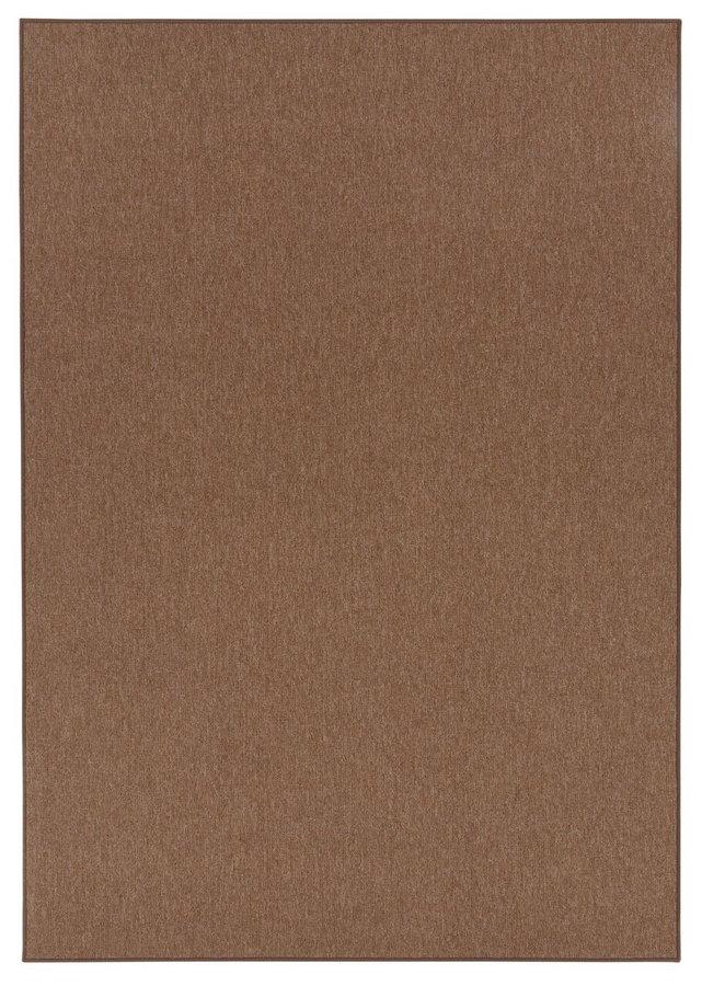 Hnědý kusový koberec