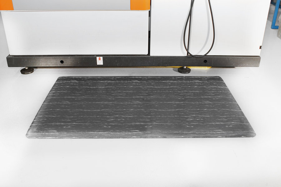 Šedá gumová protiúnavová průmyslová rohož - délka 300 cm, šířka 90 cm a výška 1,4 cm