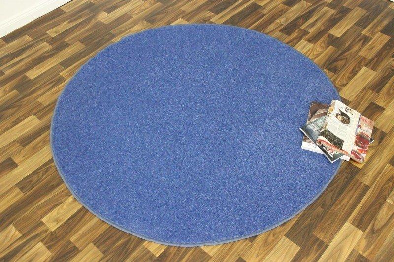 Modrý kusový kulatý koberec Nasty