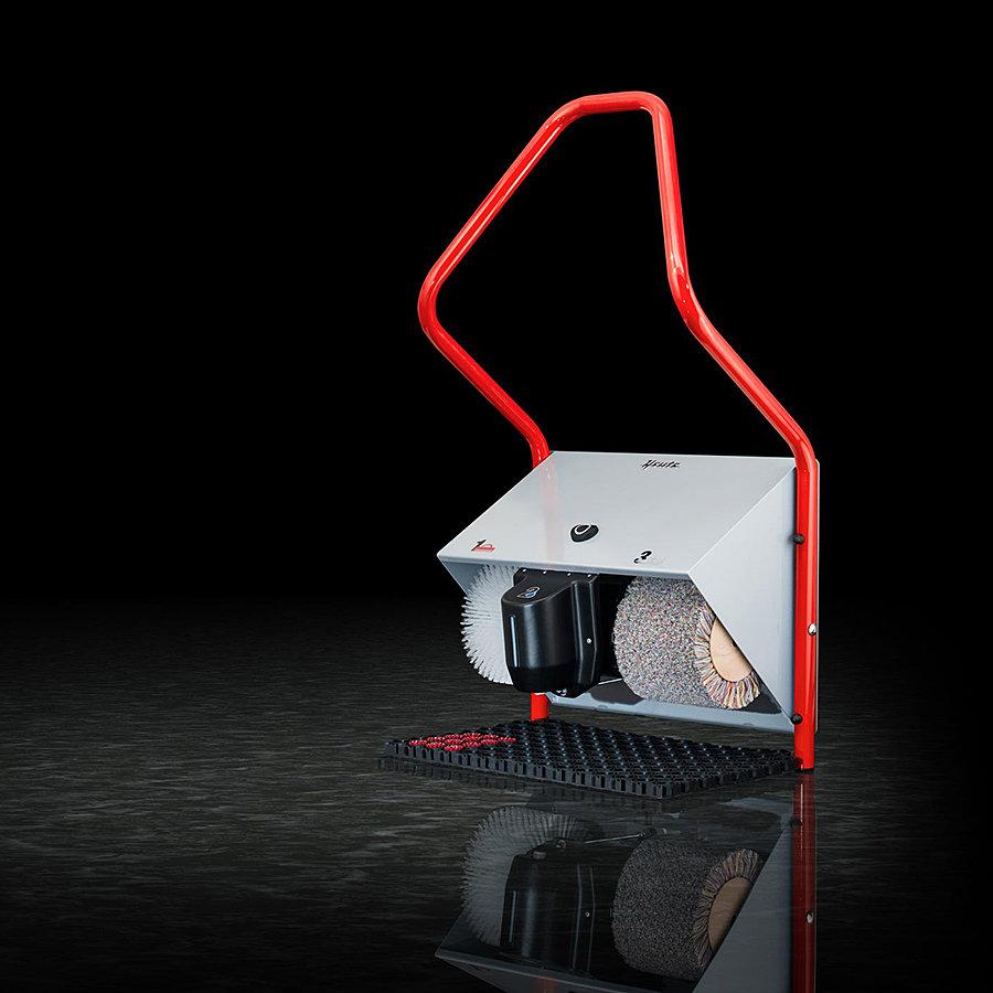 Červený čistič bot Politec Solar, Heute