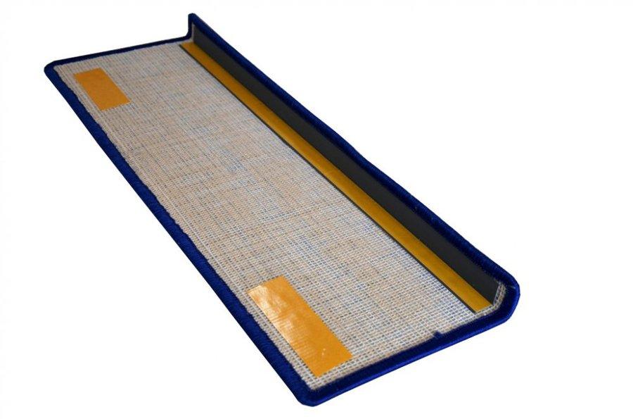 Modrý kobercový nášlap na schody Eton - délka 65 cm a šířka 24 cm