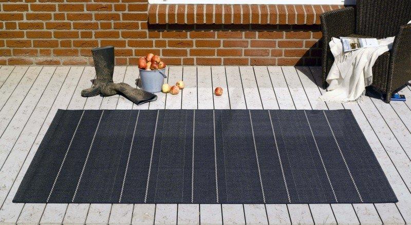 Černý kusový moderní koberec Sunshine