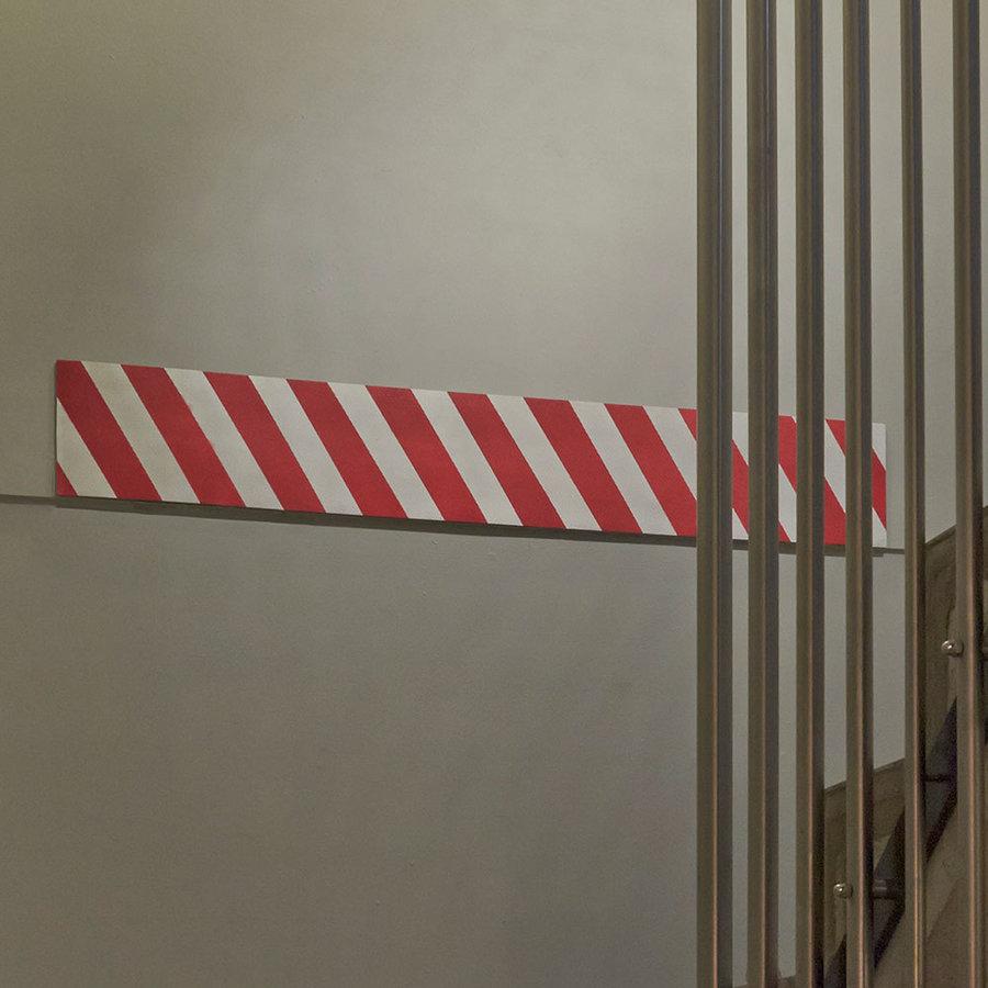 Bílo-červený pěnový pás na ochranu stěn - délka 200 cm, výška 20 cm a tloušťka 0,5 cm
