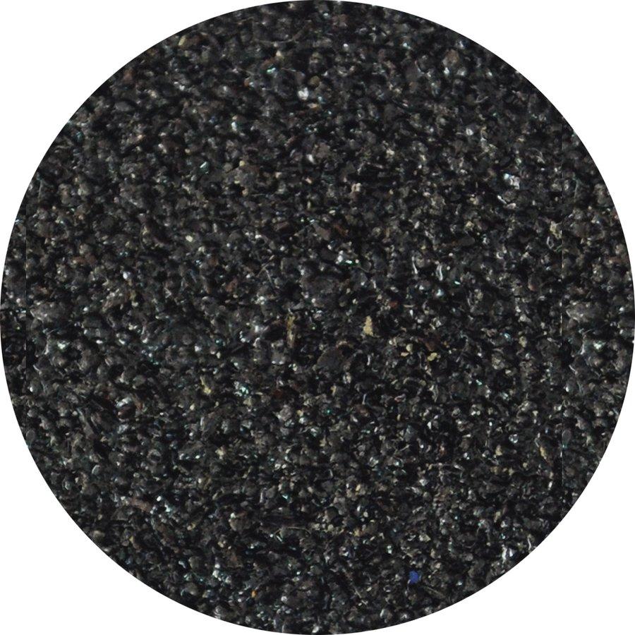 Černý korundový protiskluzový nášlap na schody Hard Slim - délka 25 cm, šířka 100 cm a tloušťka 2 mm