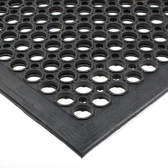 Černá gumová olejivzdorná protiskluzová protiúnavová průmyslová modulární rohož - délka 150 cm, šířka 90 cm a výška 1,25 cm
