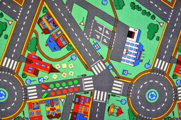 Různobarevný kusový dětský hrací koberec - délka 120 cm a šířka 80 cm
