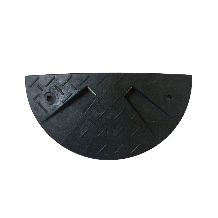 Černý plastový zpomalovací koncový práh - 30 km / hod