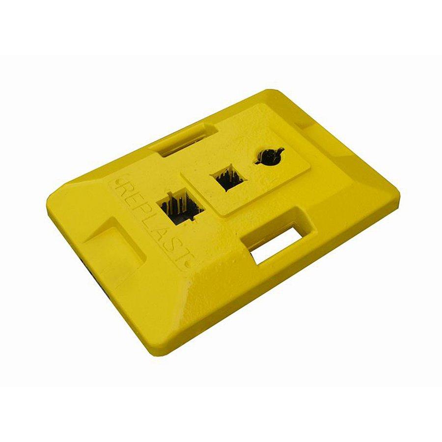 """Žlutý plastový podstavec """"CZ 2"""" pod dopravní značky - délka 59,5 cm, šířka 39,5 cm a výška 9 cm"""