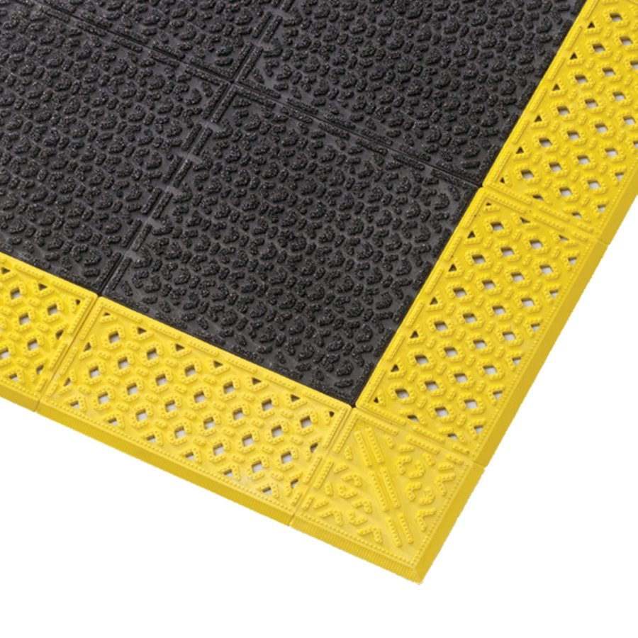 Černá plastová rohož Cushion Lok HD Solid, Grip Step - 76 x 152 x 2,2 cm (81716187) FLOMAT