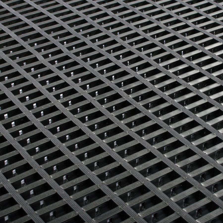 Černá univerzální průmyslová protiskluzová olejivzdorná rohož (mřížka 30 x 10 mm) - délka 5 m, šířka 60 cm a výška 1,2 cm