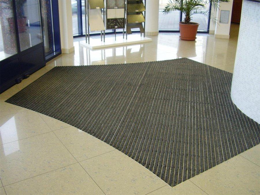 Gumová hliníková venkovní vstupní rohož Alu Standard, FLOMA - délka 100 cm, šířka 100 cm a výška 2,7 cm