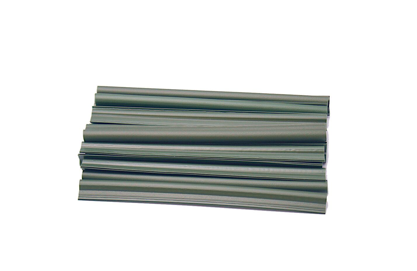 Zelený plastový plotový úchyt - délka 19 cm