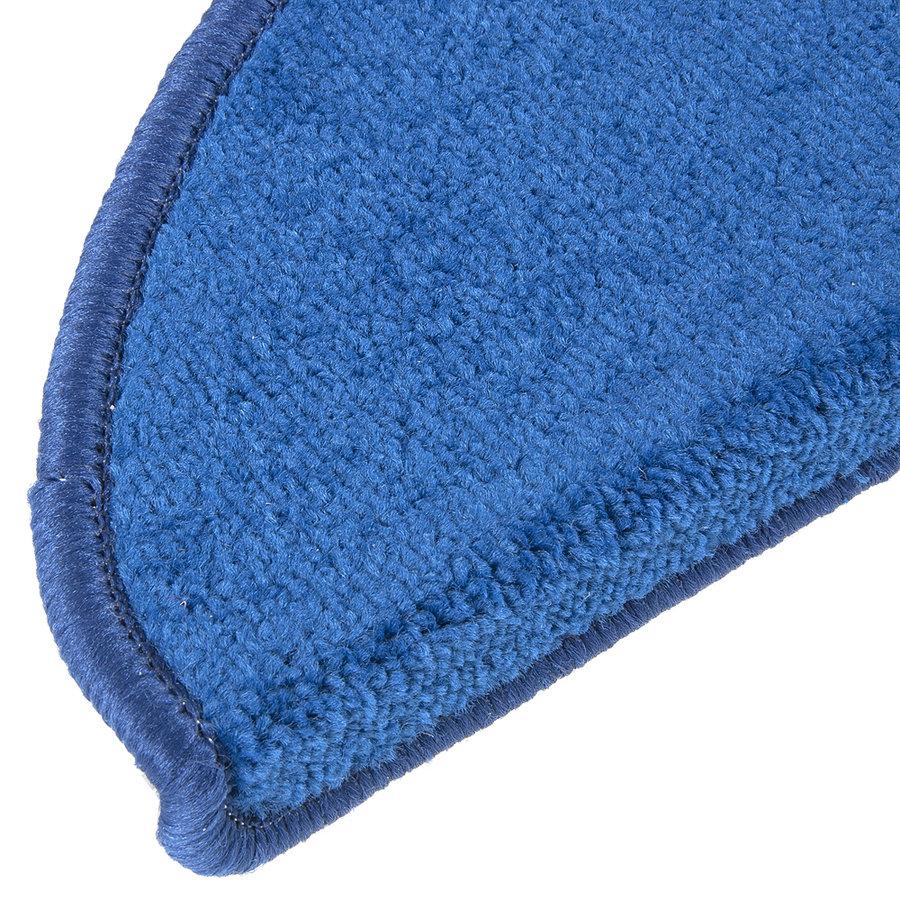 Modrý kobercový půlkruhový nášlap na schody Eton - délka 24 cm a šířka 65 cm