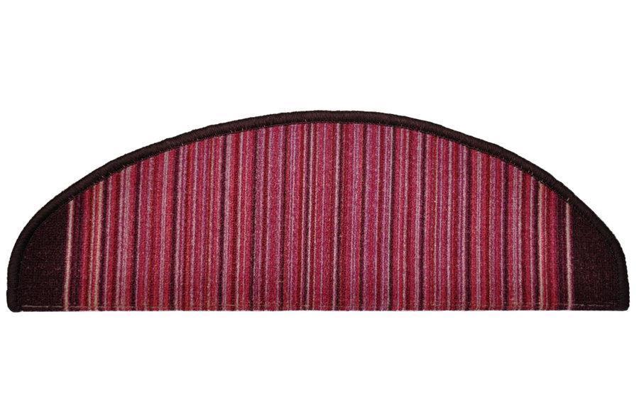 Fialový kobercový půlkruhový nášlap na schody Carnaby - délka 24 cm a šířka 65 cm
