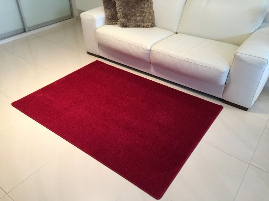 Vínový kusový koberec Eton - délka 80 cm a šířka 50 cm