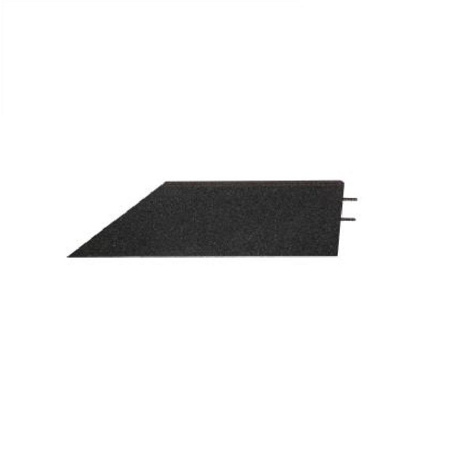 Černý pravý nájezd (roh) pro gumové dlaždice - délka 75 cm, šířka 30 cm a výška 4,5 cm