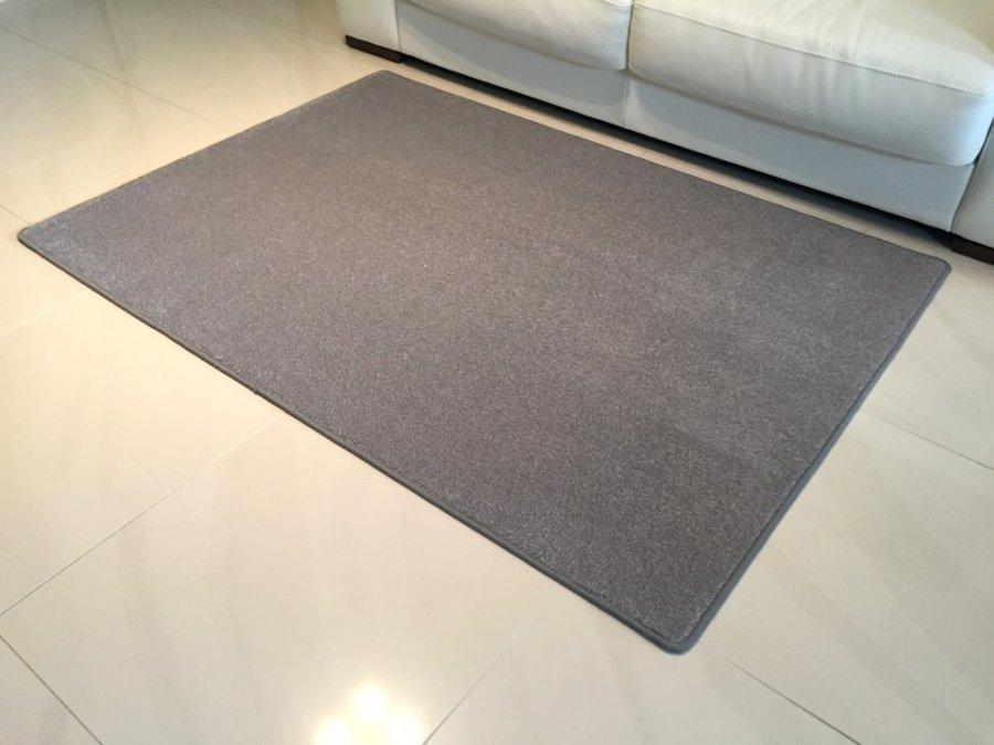 Šedý kusový koberec Eton - délka 80 cm a šířka 50 cm