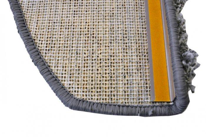 Šedý kobercový půlkruhový nášlap na schody Shaggy - délka 28 cm a šířka 65 cm