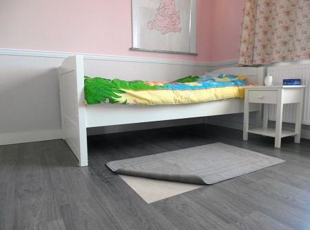 Protiskluzová metrážová podložka pod koberec - šířka 80 cm