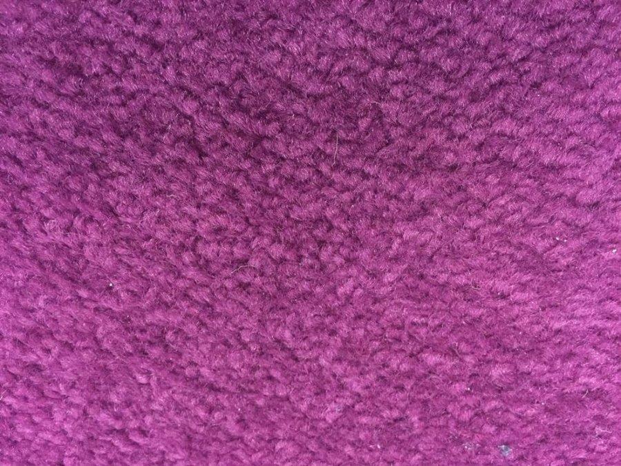 Fialový metrážový koberec Eton - šířka 400 cm