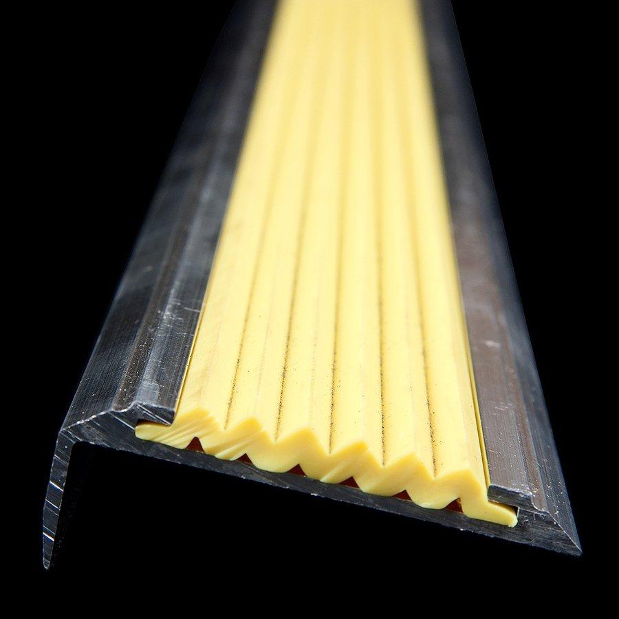 Žlutá hliníková schodová hrana s protiskluzovým páskem Antislip, FLOMAT - délka 100 cm, šířka 5,3 cm a výška 2 cm