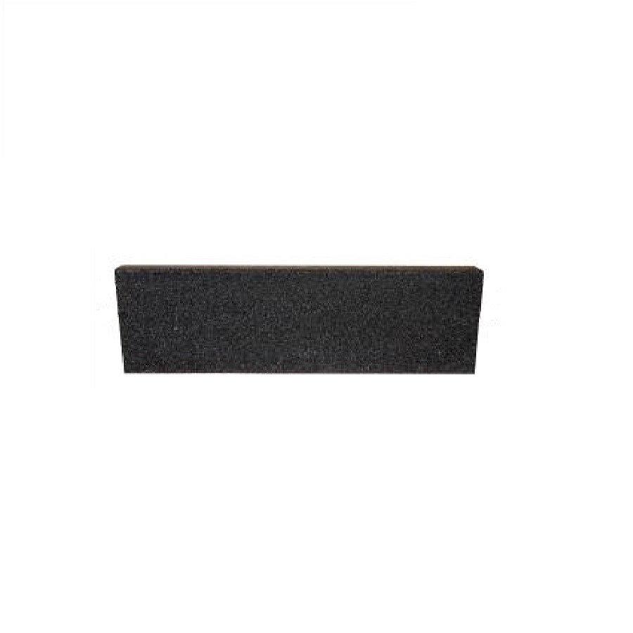Černý rovný nájezd pro gumové dlaždice - délka 75 cm, šířka 30 cm a výška 2 cm