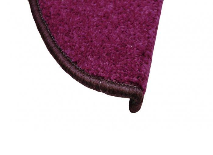 Fialový kobercový půlkruhový nášlap na schody Eton - délka 24 cm a šířka 65 cm