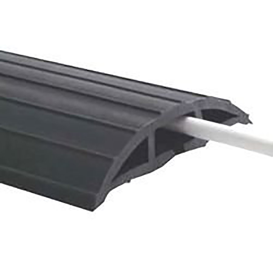 Černý plastový kabelový most - délka 9 m, šířka 7,6 cm a výška 1,1 cm