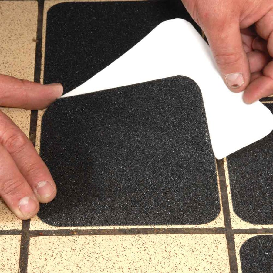 Černá korundová samolepící protiskluzová páska (dlaždice) - délka 14 cm a šířka 14 cm