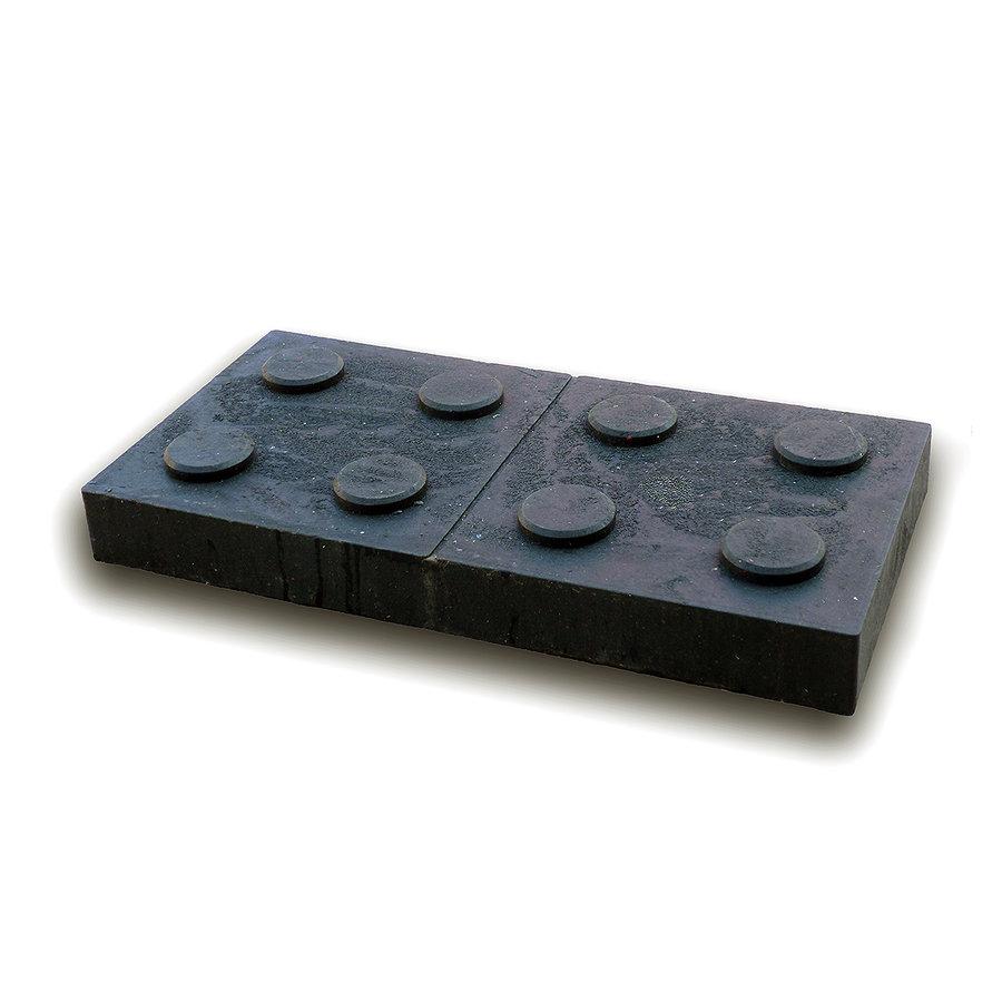 """Černá plastová podkládací kostka """"2 x 4 čepy"""" - délka 47,6 cm, šířka 23,8 cm a výška 5,3 cm"""