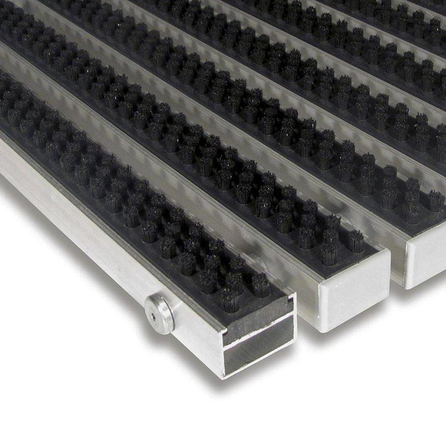 Černá hliníková kartáčová venkovní vstupní rohož Alu Super, FLOMAT - výška 2,2 cm