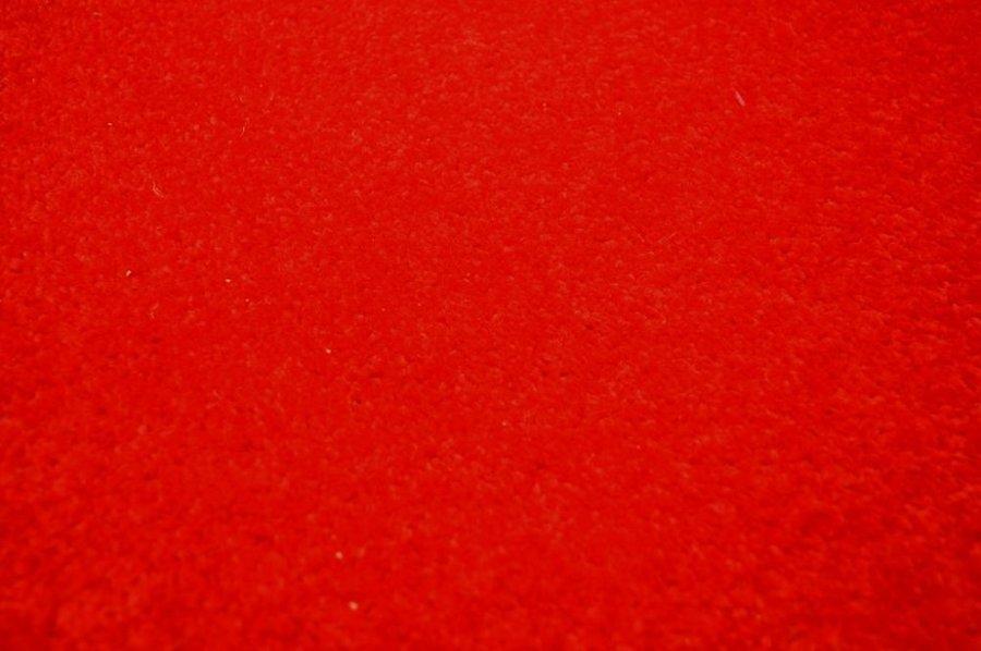 Červený metrážový koberec Eton - šířka 400 cm