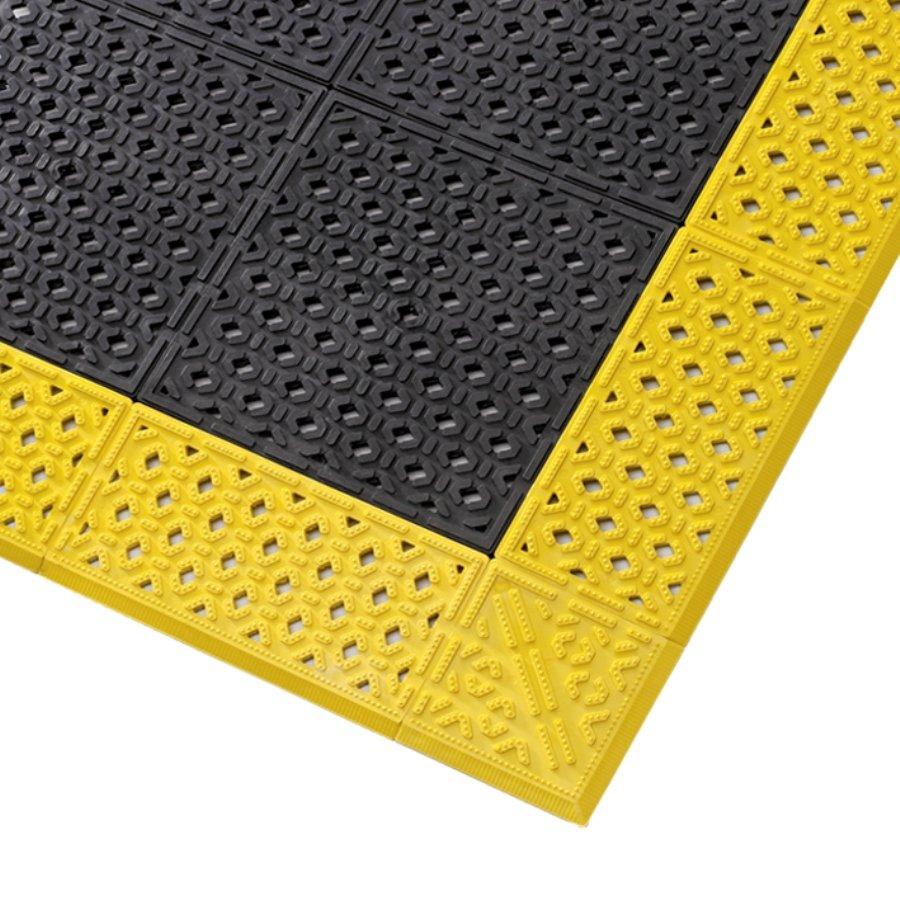Černá plastová děrovaná rohož Cushion Lok HD - 76 x 152 x 2,2 cm (81716178) FLOMAT