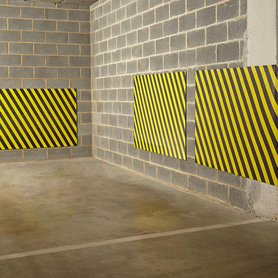 Černo-žlutý pěnový pás na ochranu stěn - délka 150 cm, výška 100 cm a tloušťka 1 cm