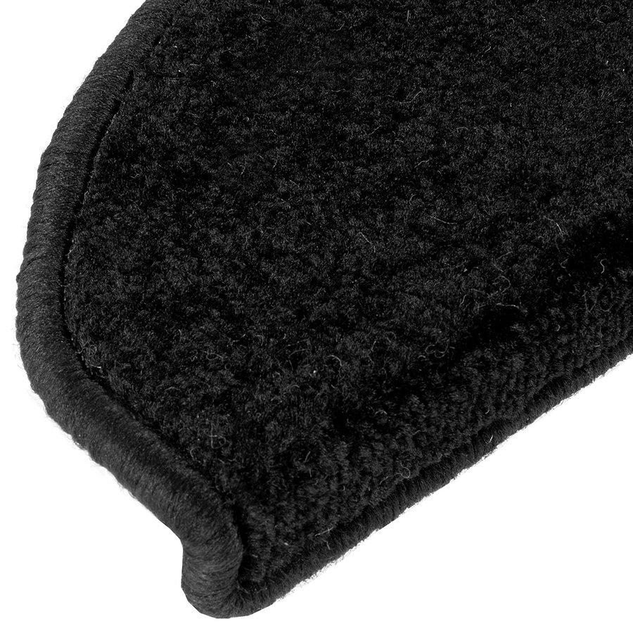 Černý kobercový půlkruhový nášlap na schody Eton - délka 24 cm a šířka 65 cm