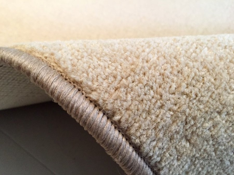 Béžový koberec Eton