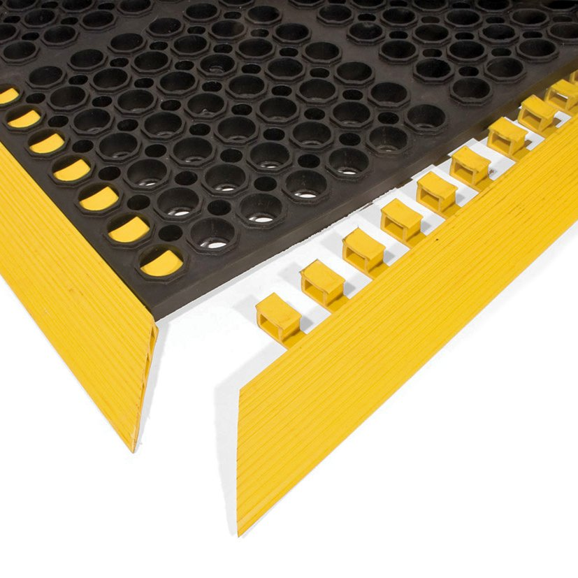 Černá gumová náběhová hrana COBA Deluxe - délka 107,4 cm, šířka 5 cm a výška 1,9 cm