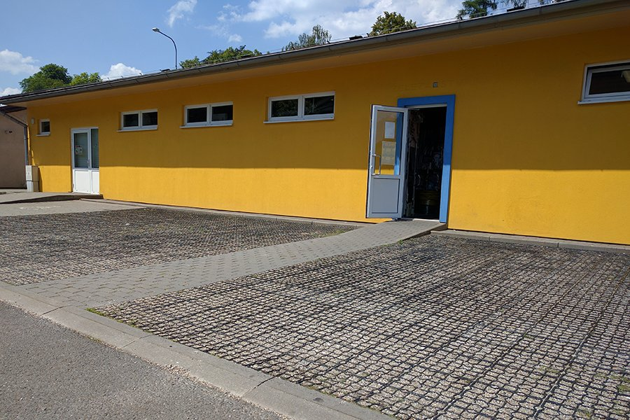 Realizace parkovací/zatravňovací dlažby.